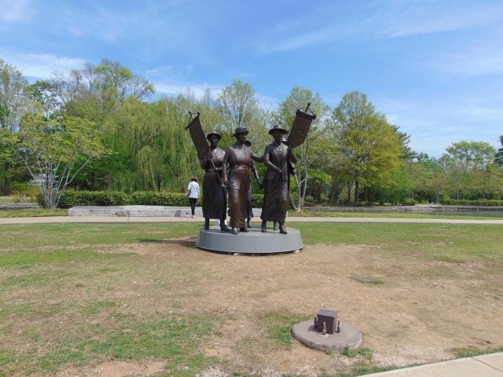 Womens Suferage Statue
